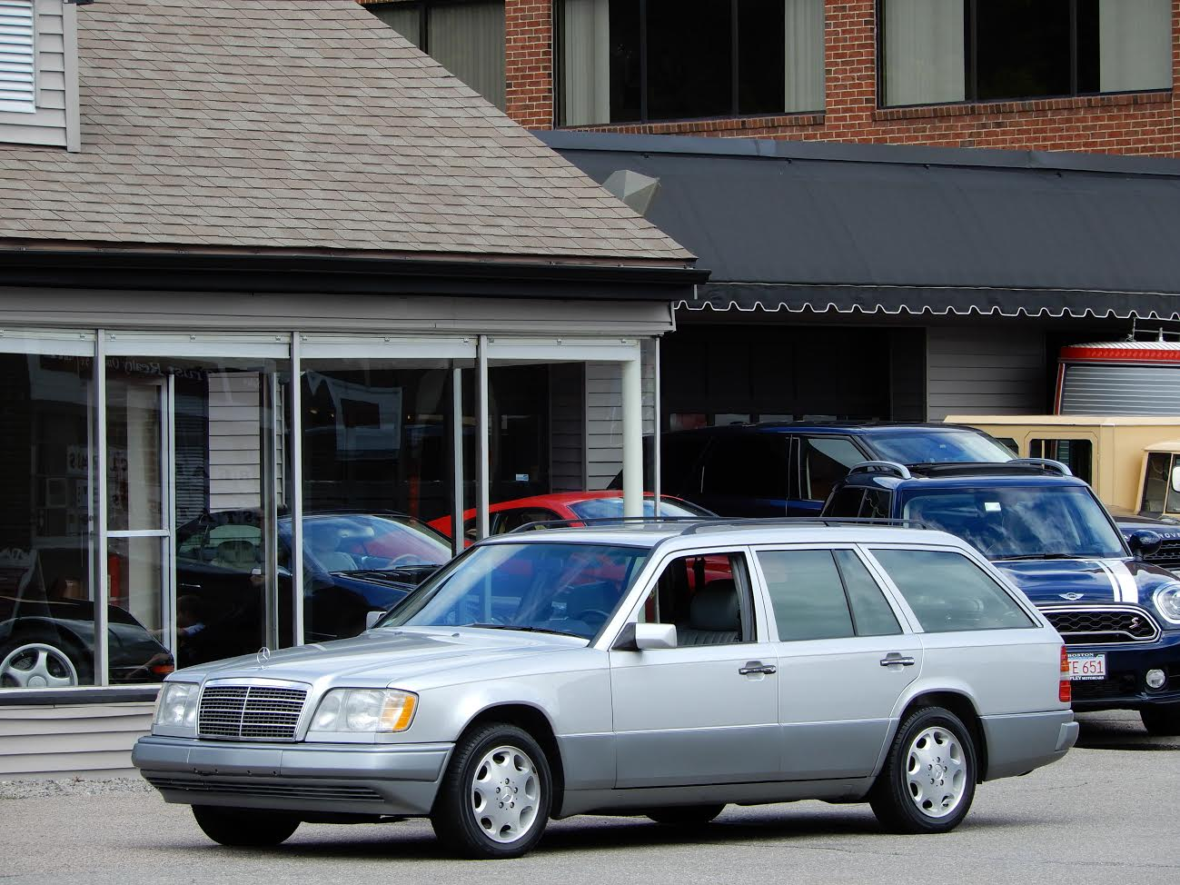 ... Original Owneru0027s Manuals, One Of 4,607 E320S Wagons Imported By Mercedes  Benz North America In The Final Year Of W124 Chassis Manufacture.