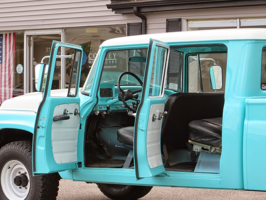 1962 International Harvester C 120 Series Travelette 4x4