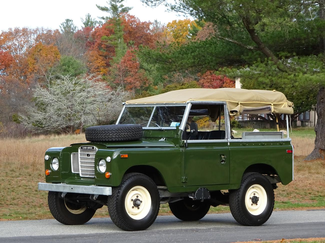Roof Rack Ladder >> 1974 Land Rover Series III 88 | Copley Motorcars