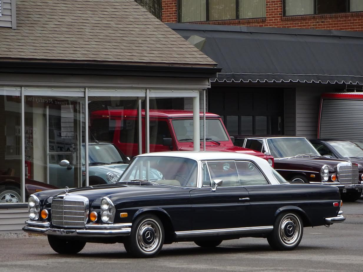 1971 mercedes benz 280se 3 5 coupe copley motorcars for Mercedes benz of coral gables service department